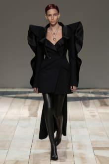 Alexander McQueen -Women's- 2020-21AW パリコレクション 画像46/47