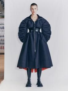 Alexander McQueen 2021 Pre-Fallコレクション 画像1/29