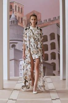 FENDI 2021AW Couture パリコレクション 画像1/31
