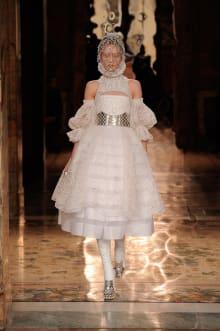 Alexander McQueen 2013-14AW パリコレクション 画像1/10