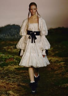 Alexander McQueen 2014-15AW パリコレクション 画像3/33