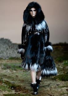 Alexander McQueen 2014-15AW パリコレクション 画像15/33