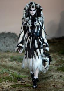 Alexander McQueen 2014-15AW パリコレクション 画像17/33