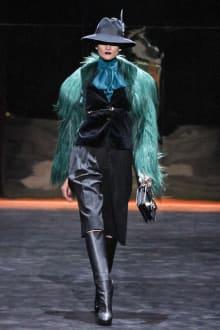 GUCCI & Ai Tominaga Presents チャリティファッションショー 2011-12AWコレクション 画像1/34
