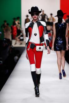 MOSCHINO 30周年回顧ファッションショー 2014SS Pre-Collectionコレクション 画像3/33