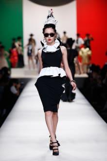 MOSCHINO 30周年回顧ファッションショー 2014SS Pre-Collectionコレクション 画像6/33