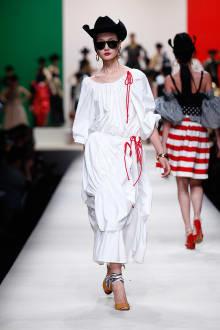 MOSCHINO 30周年回顧ファッションショー 2014SS Pre-Collectionコレクション 画像8/33