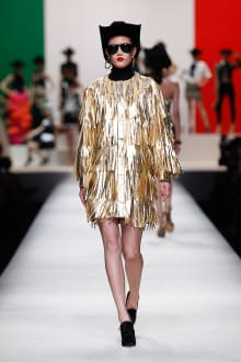 MOSCHINO 30周年回顧ファッションショー 2014SS Pre-Collectionコレクション 画像19/33