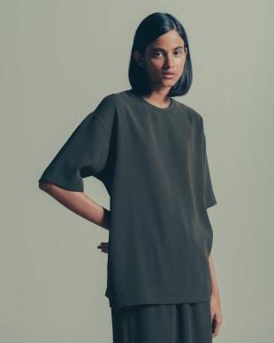 コレクションで販売するTシャツ(1万2000円)