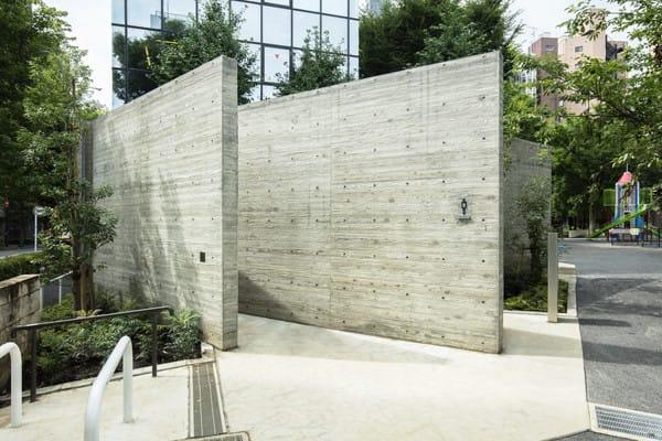 片山正通が手掛けた恵比寿公園のトイレ Image by 日本財団