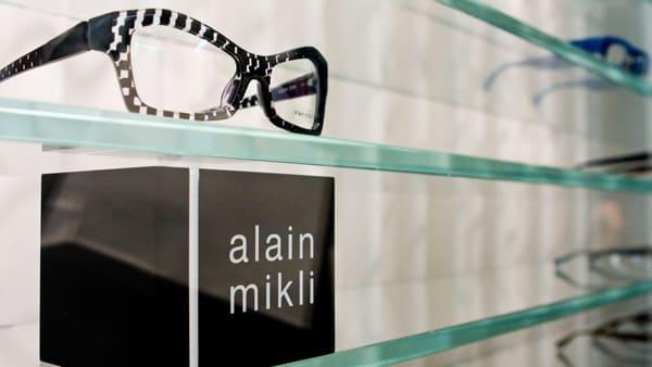 alain mikli「brows collection(ブロー コレクション)」 Image by FASHIONSNAP