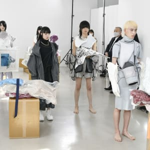 「ファッションの純化」の終焉、バルムングが表現する着衣の意味