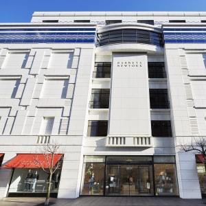 バーニーズ ニューヨーク横浜店、6階にアウトレットフロアをオープン