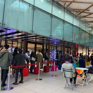 ユニクロ「+J」整理券配布で混雑回避、都内大型店の購入は比較的スムーズに