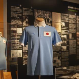 アディダス サッカー 100周年